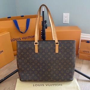 ♥️LUCO TOTE♥️Authentic Louis Vuitton Shoulder Bag!